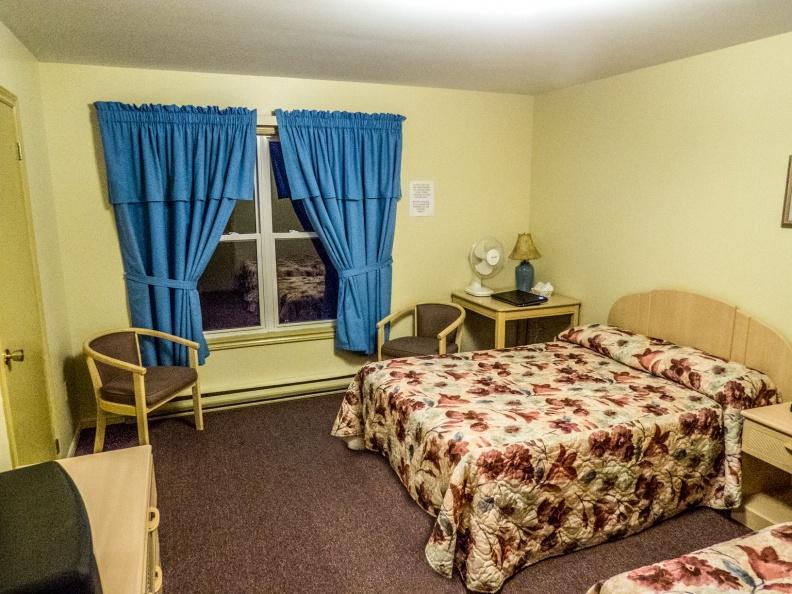 Auberge Doucet Inn Room